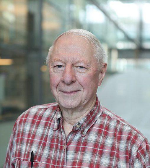 "<a href=""https://scholar.princeton.edu/fhs/home"">Frank Stillinger</a>"